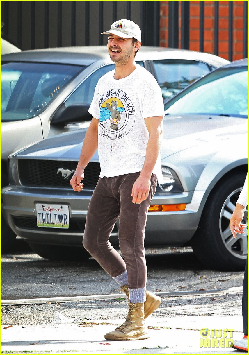 shia labeouf shows a smile before his workout 053062246