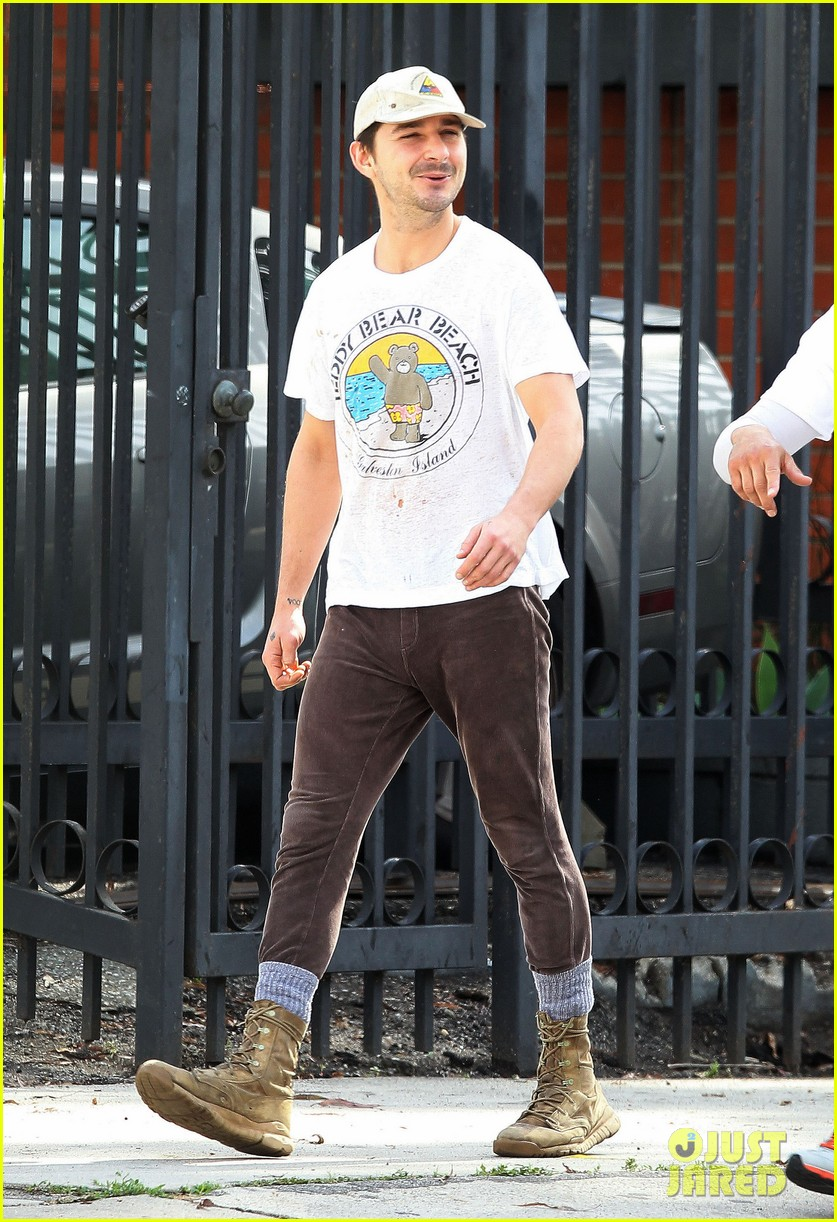shia labeouf shows a smile before his workout 093062250