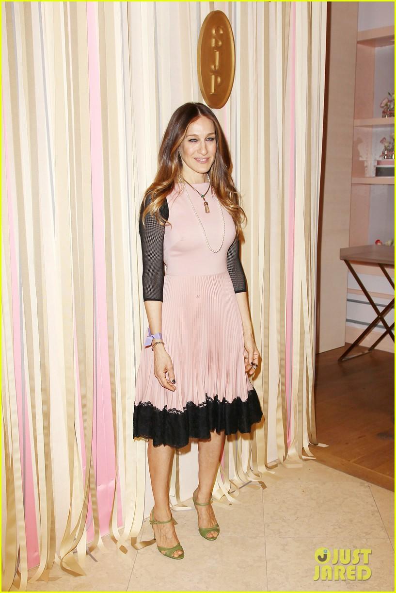 sarah jessica parker shoe collection pop up shop appearance 123060951
