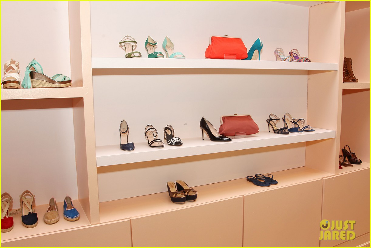 sarah jessica parker shoe collection pop up shop appearance 143060953