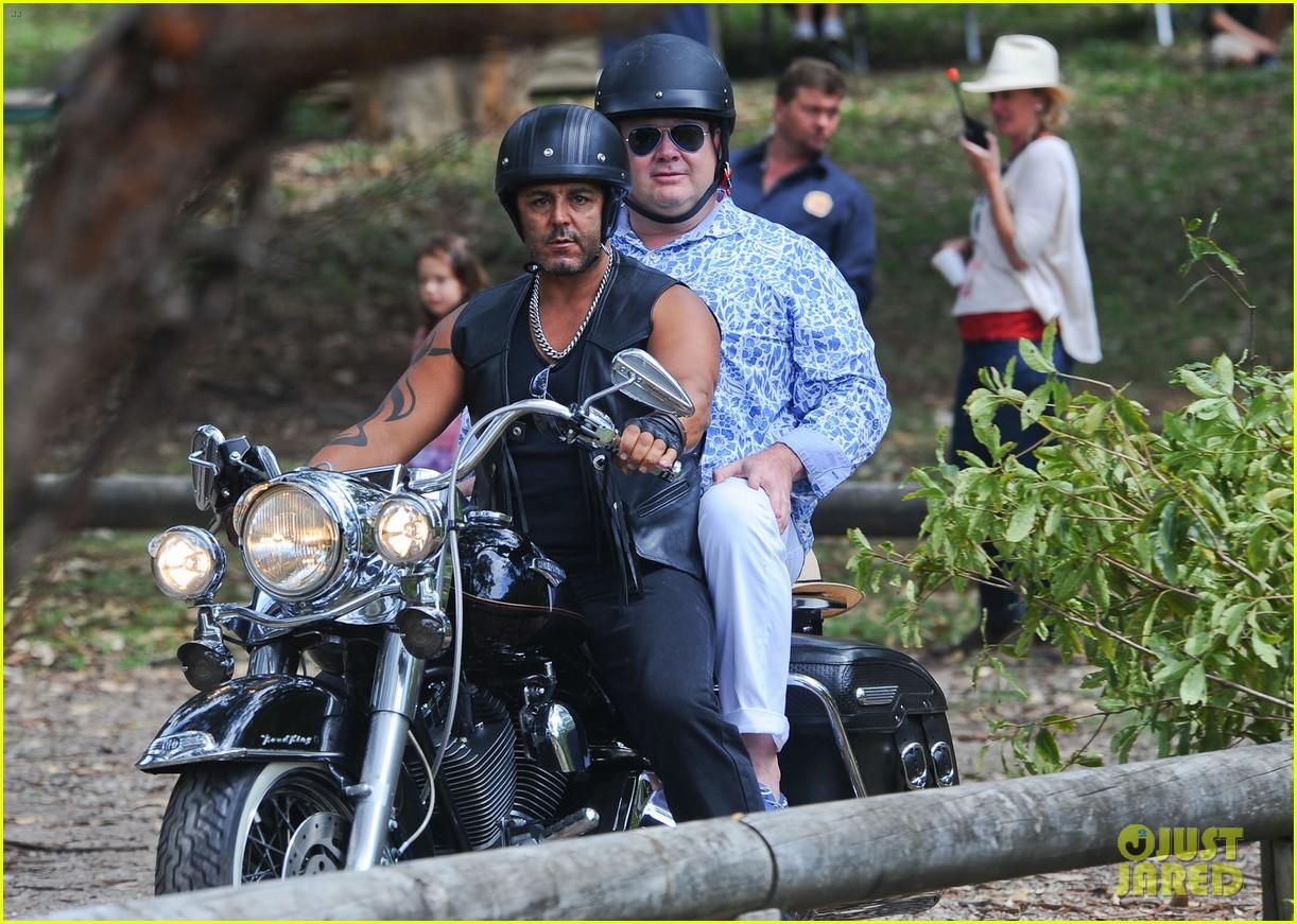 sofia vergara nick loeb sydney zoo trip with modern family co star 303059289