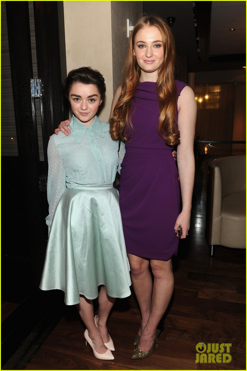 sophie turner maisie williams game of thrones girls front row christian siriano 013050138