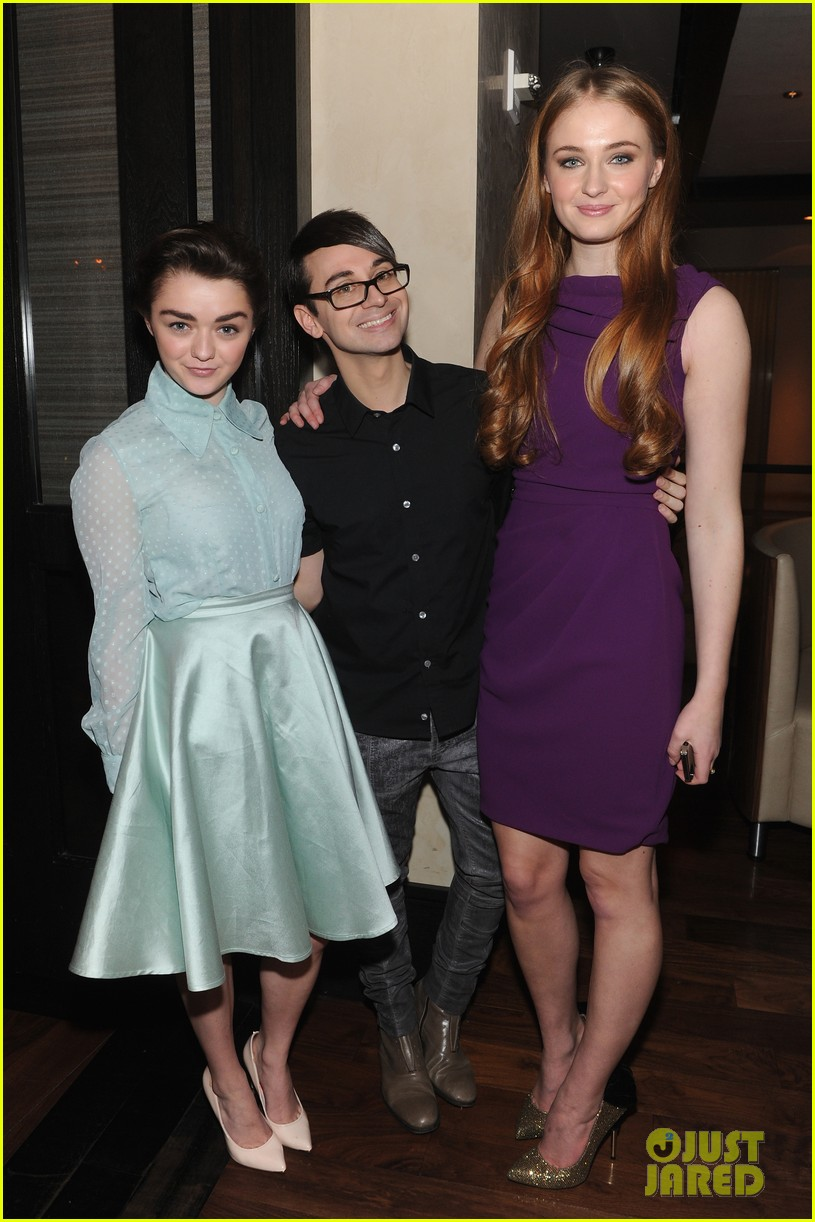 sophie turner maisie williams game of thrones girls front row christian siriano 03