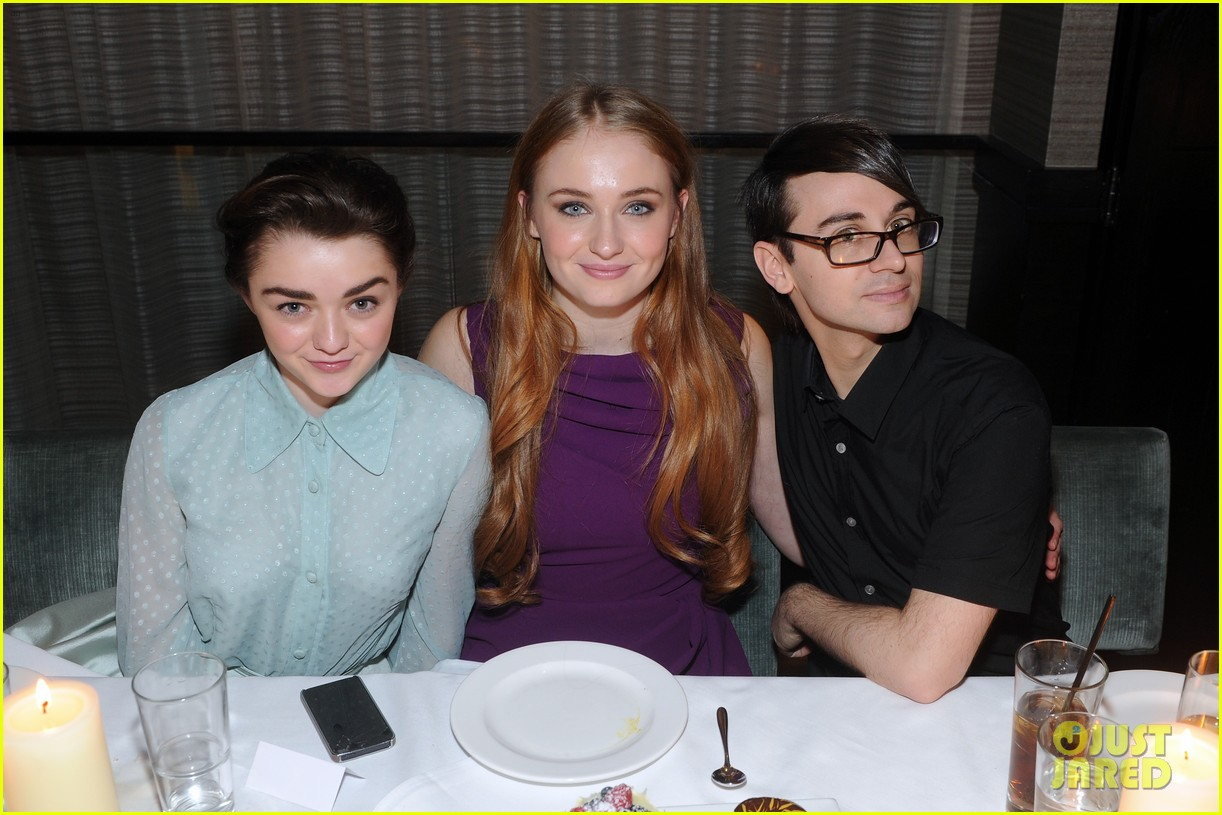 sophie turner maisie williams game of thrones girls front row christian siriano 053050142