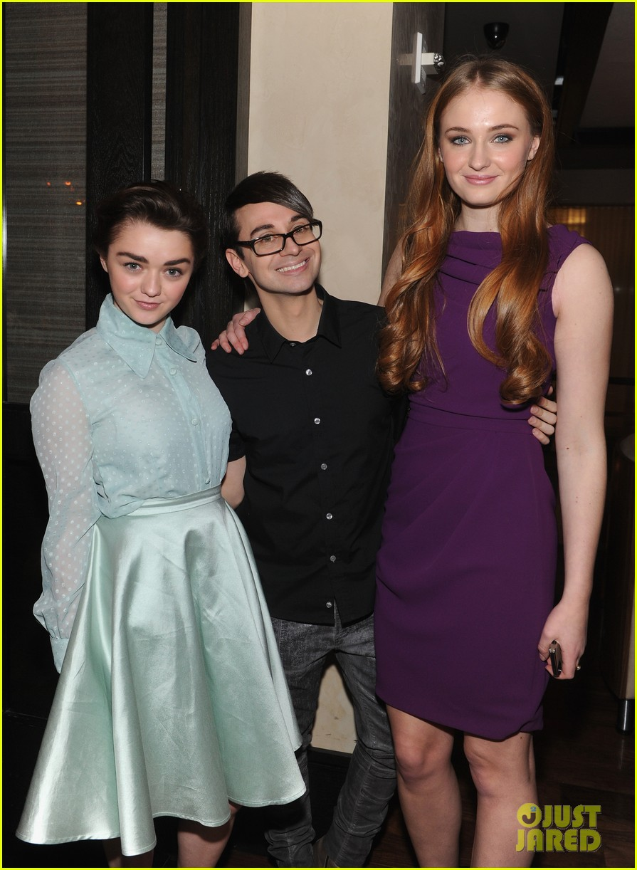 sophie turner maisie williams game of thrones girls front row christian siriano 063050143