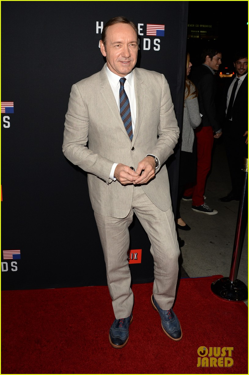 kevin spacey thinks you should binge watch house of cards 063053208