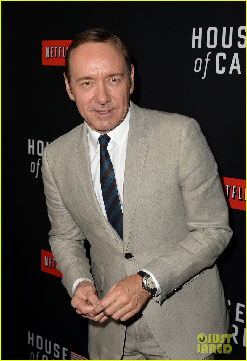 kevin spacey thinks you should binge watch house of cards 07