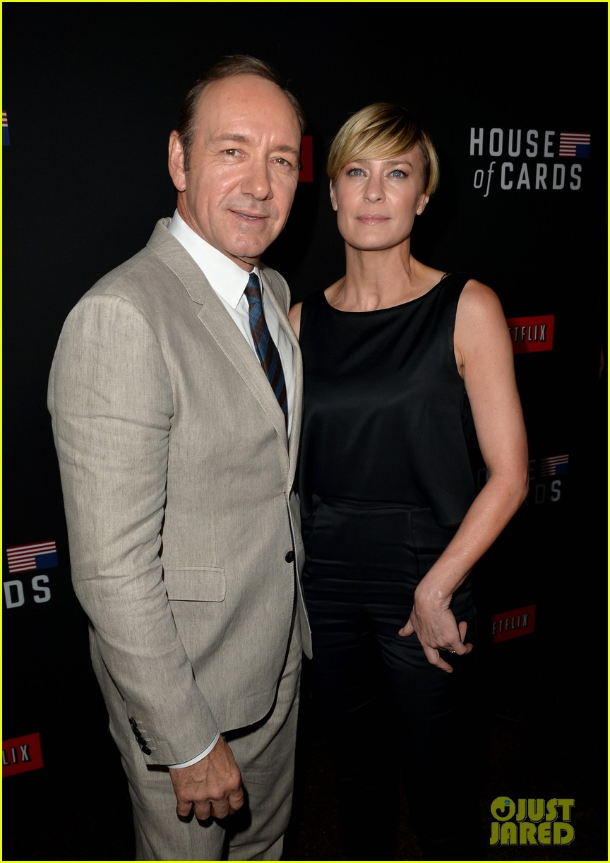 kevin spacey thinks you should binge watch house of cards 113053213