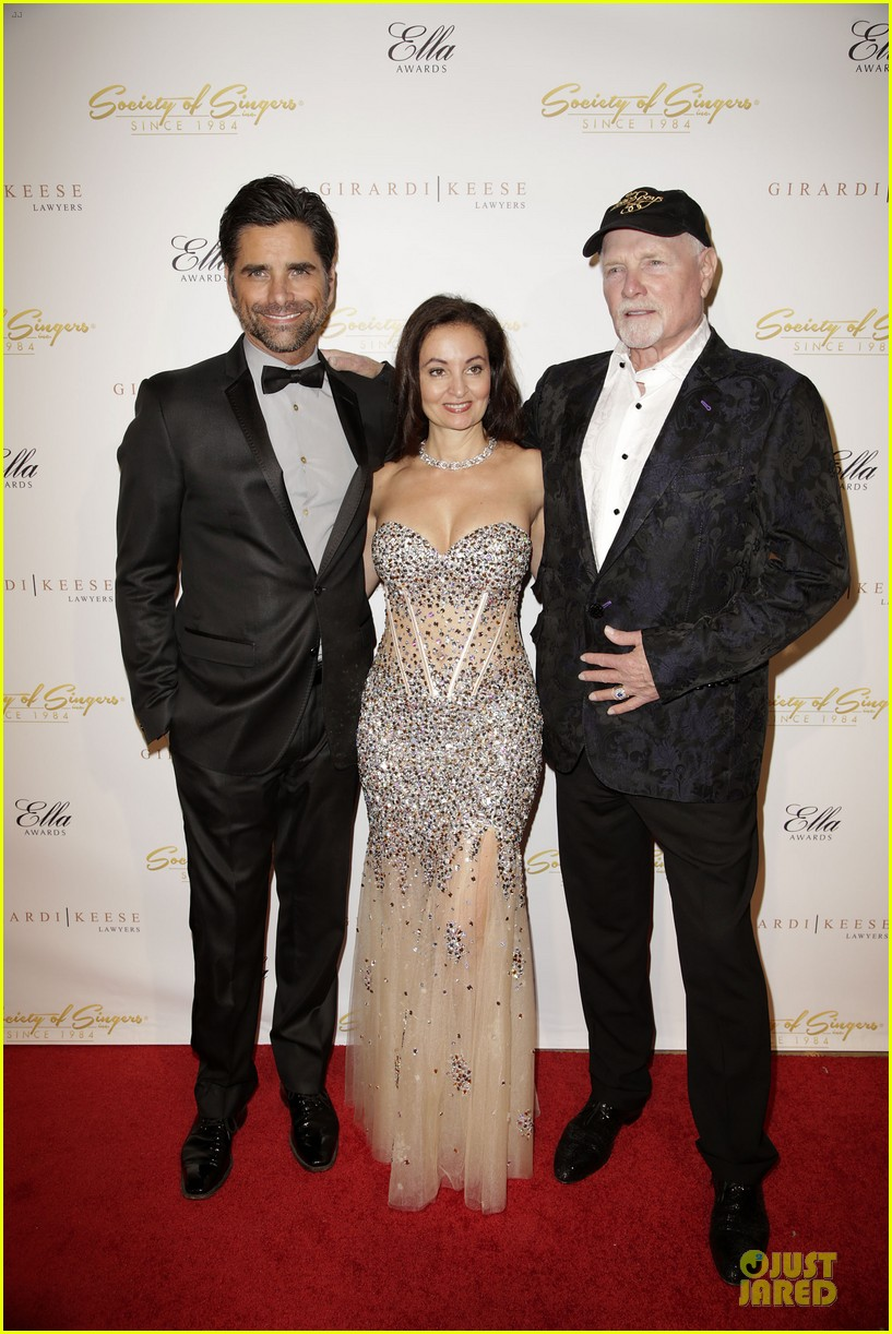 john stamos rita wilson ella awards honor beach boy singer mike love 083058560