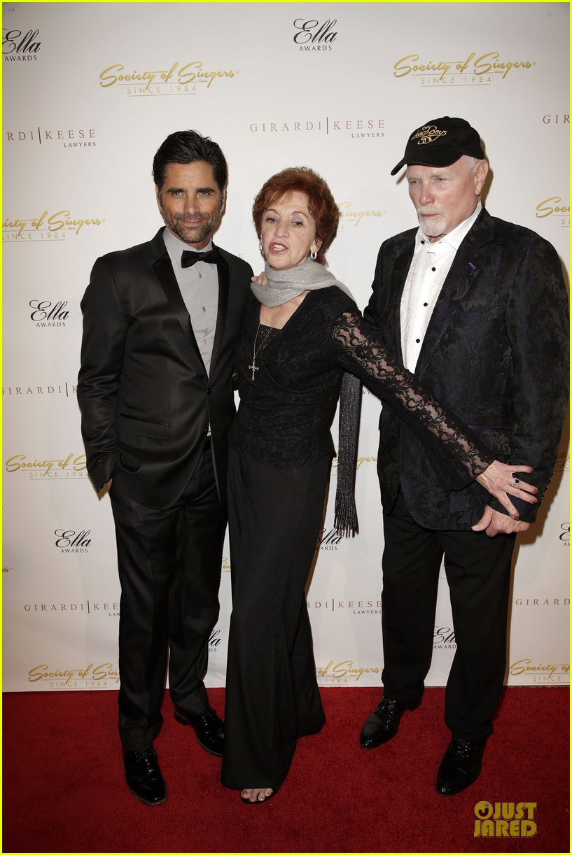 john stamos rita wilson ella awards honor beach boy singer mike love 113058563