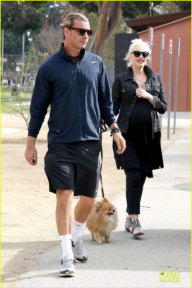 gwen stefani looks about ready to pop in brentwood 133055915
