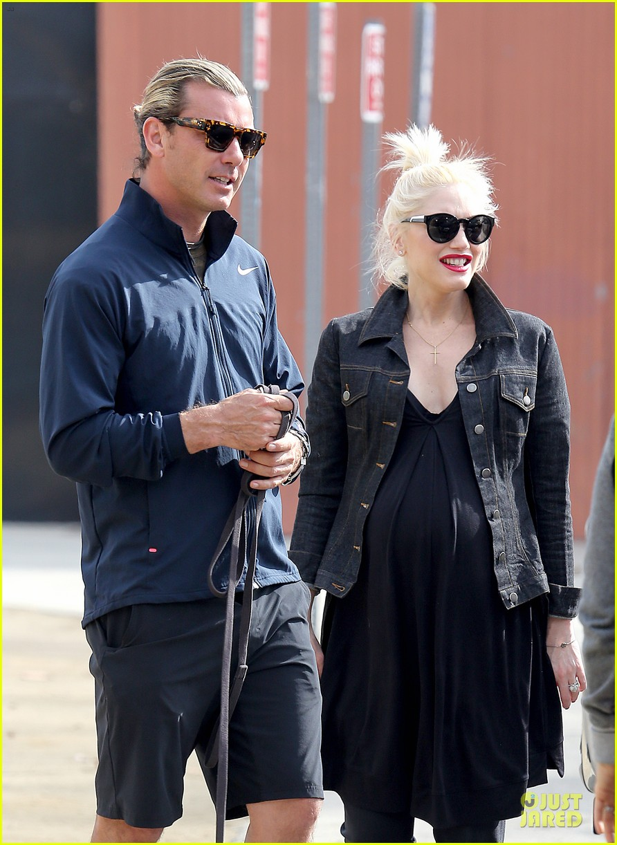gwen stefani looks about ready to pop in brentwood 203055922