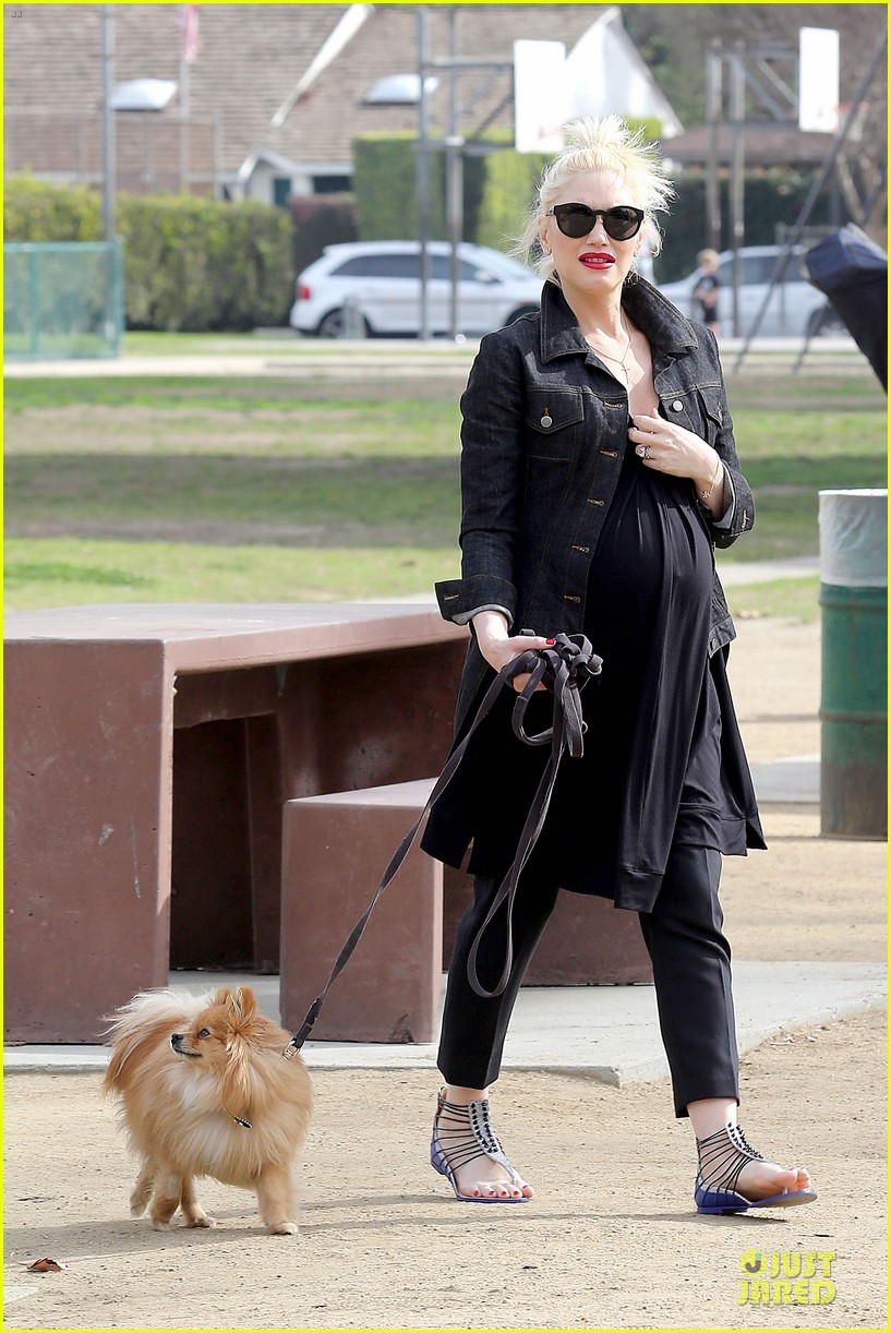 gwen stefani looks about ready to pop in brentwood 223055924