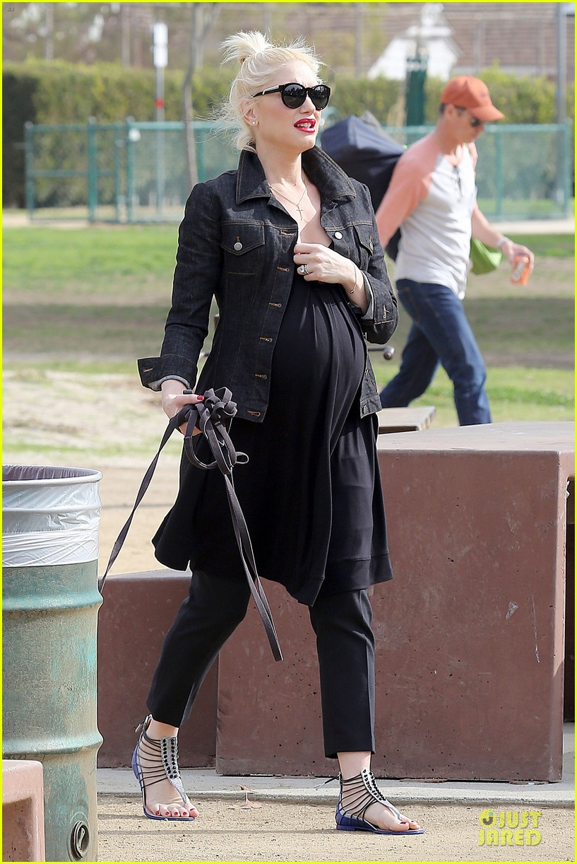 gwen stefani looks about ready to pop in brentwood 33