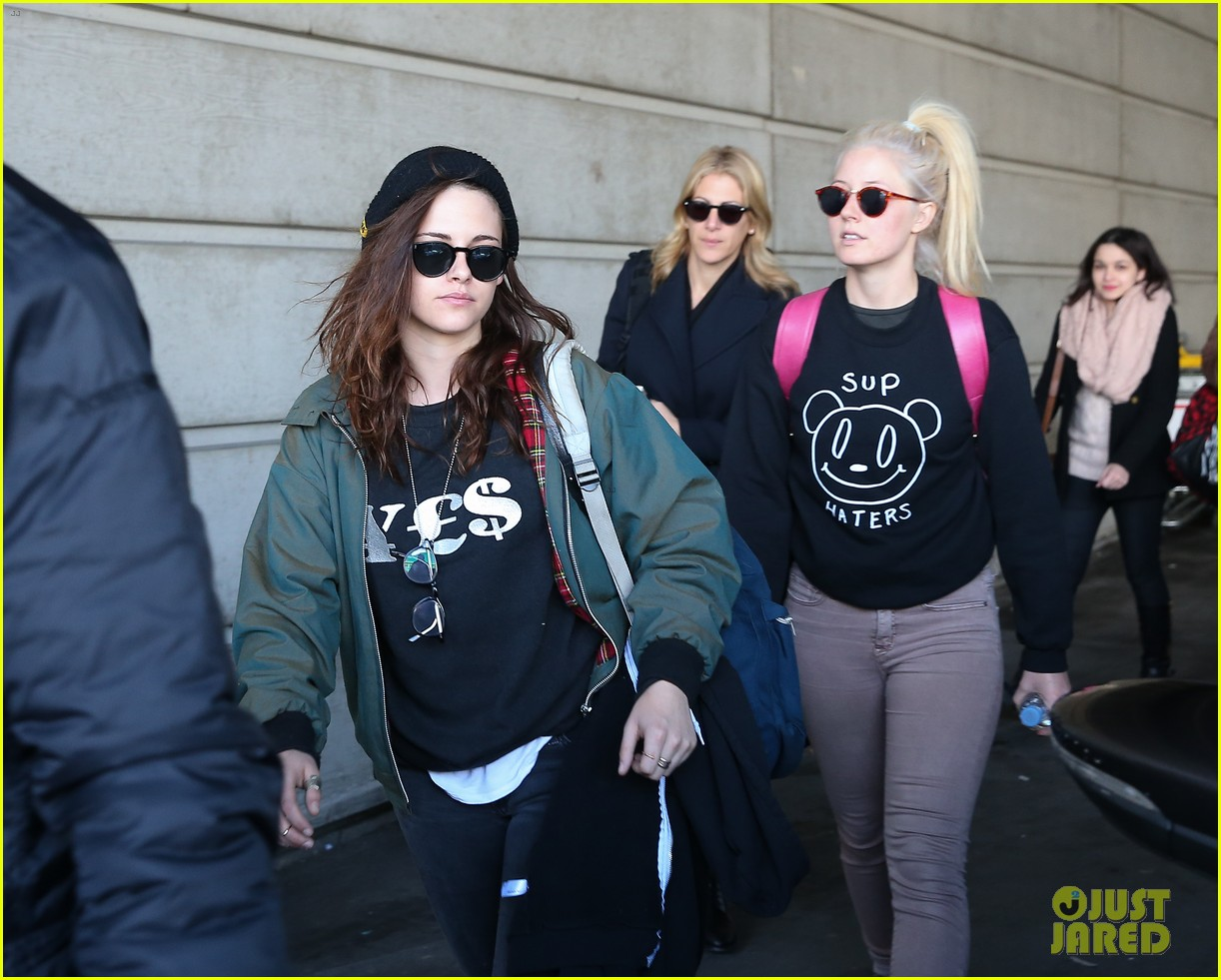 kristen stewart adds more layers after landing in paris 013046918