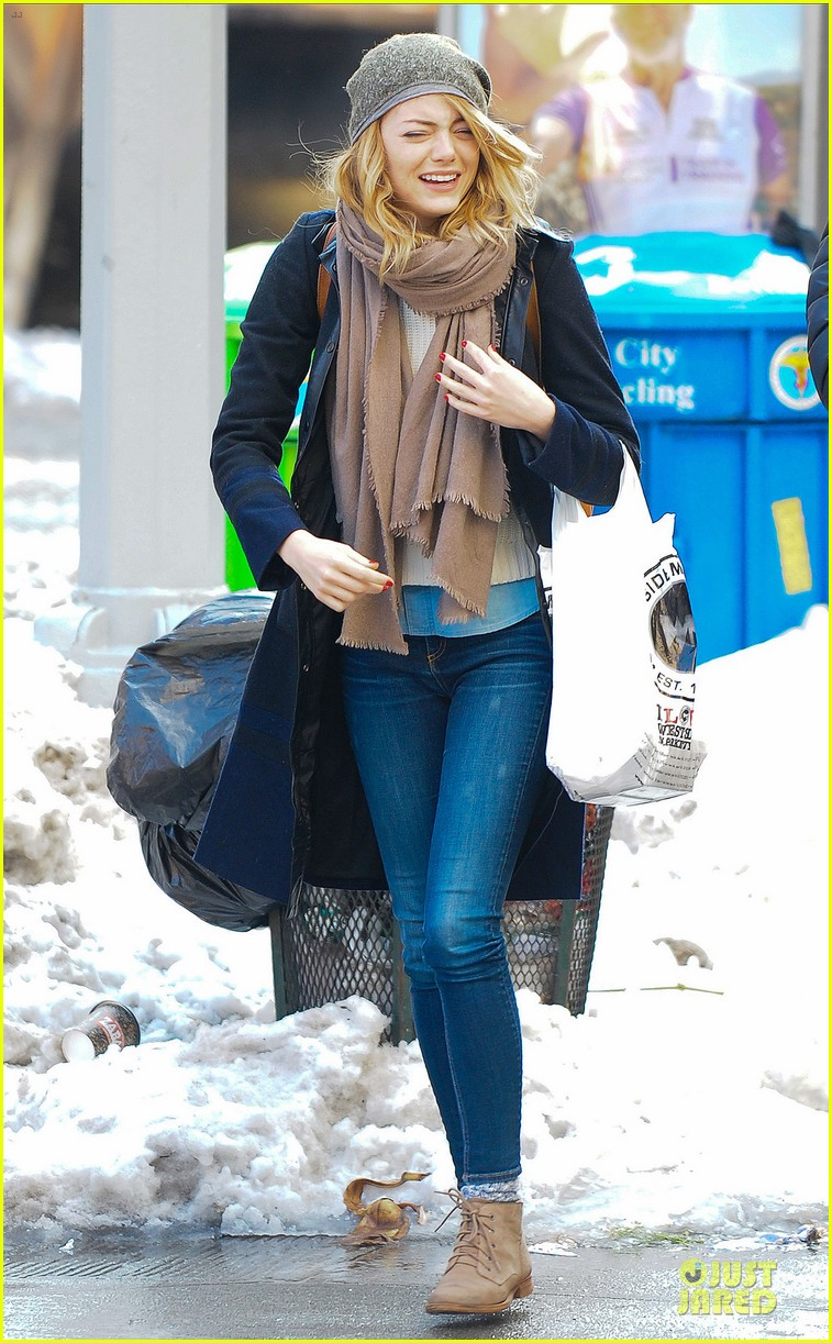 emma stone untitled cameron crowe project release date announced 013053824