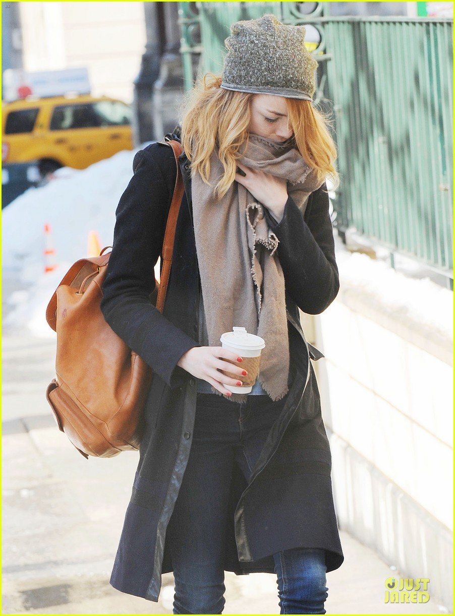 emma stone untitled cameron crowe project release date announced 043053827