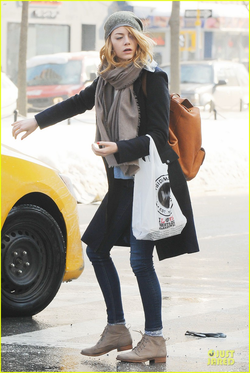 emma stone untitled cameron crowe project release date announced 113053834