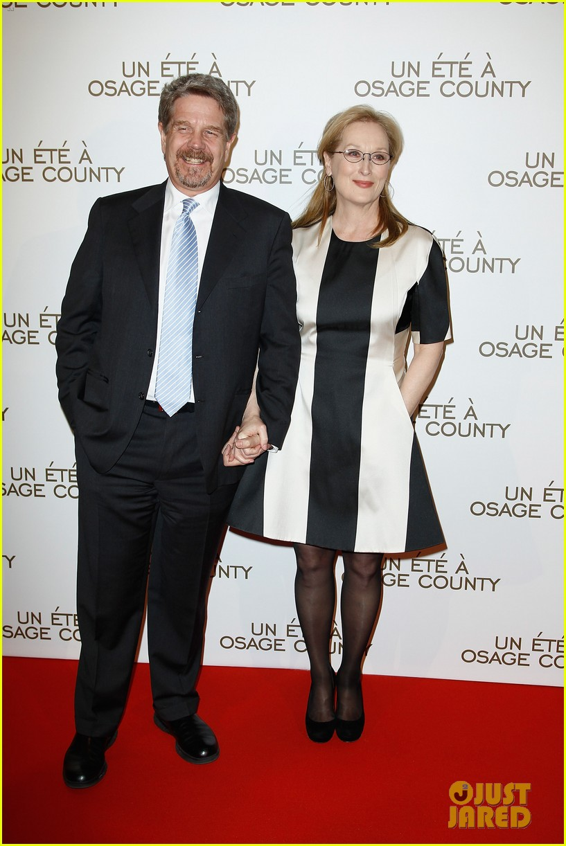 meryl streep rocks pocket dress at august paris premiere 033052989