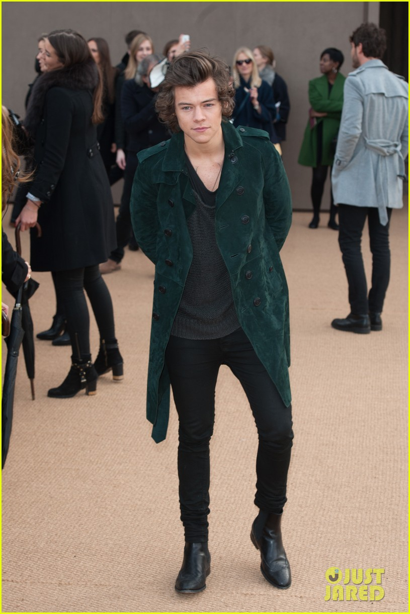 harry styles jamie campbell bower burberry prorsum show 013055062