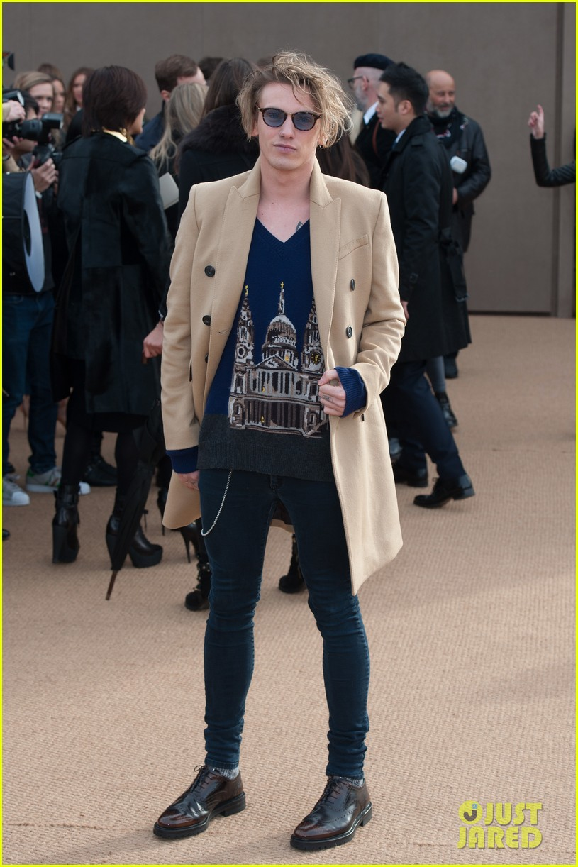 harry styles jamie campbell bower burberry prorsum show 063055067