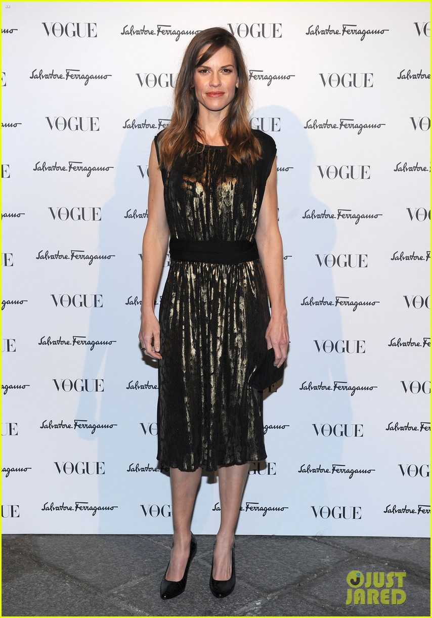 hilary swank switches up her look for ferragamo after party 013059803