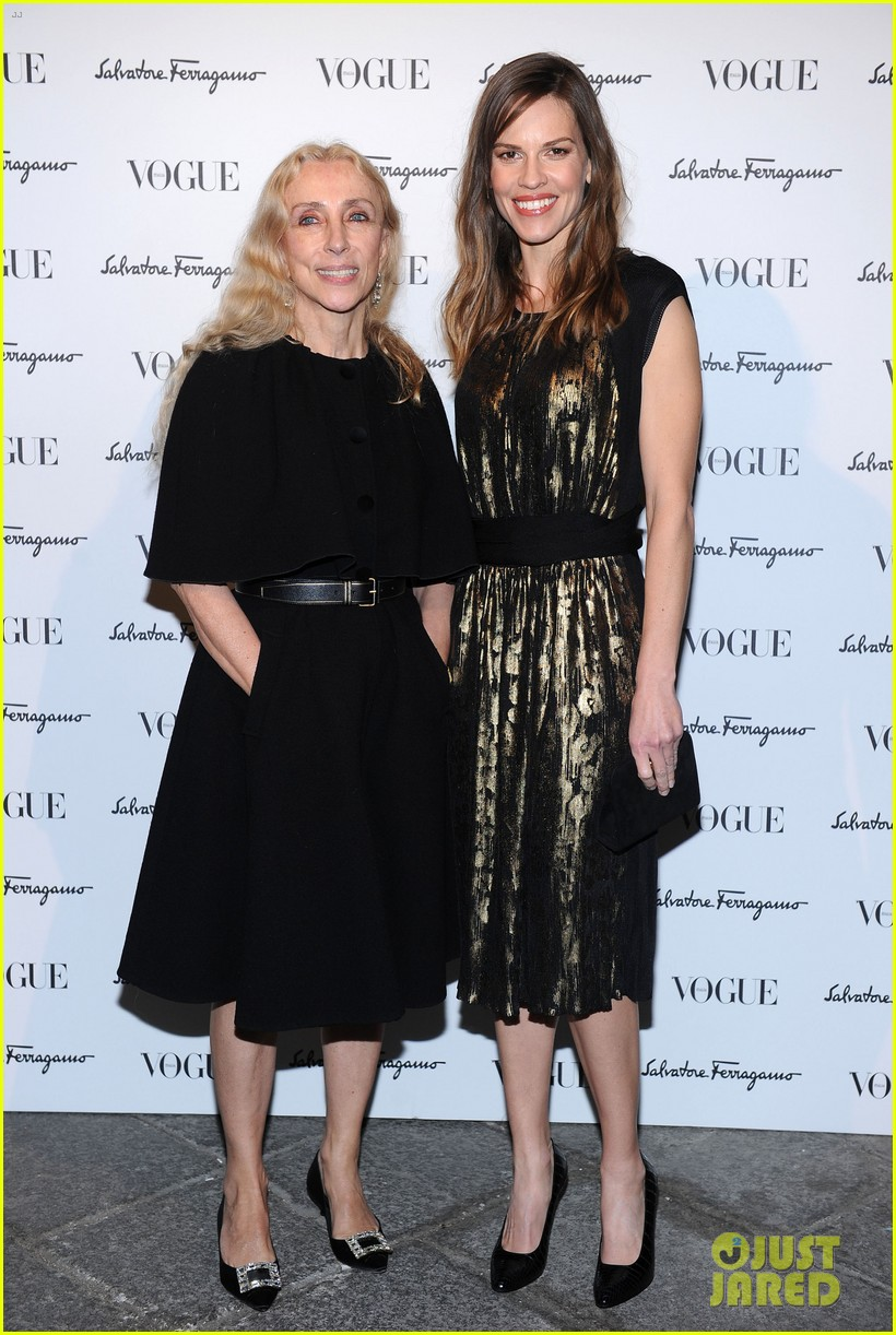 hilary swank switches up her look for ferragamo after party 073059809