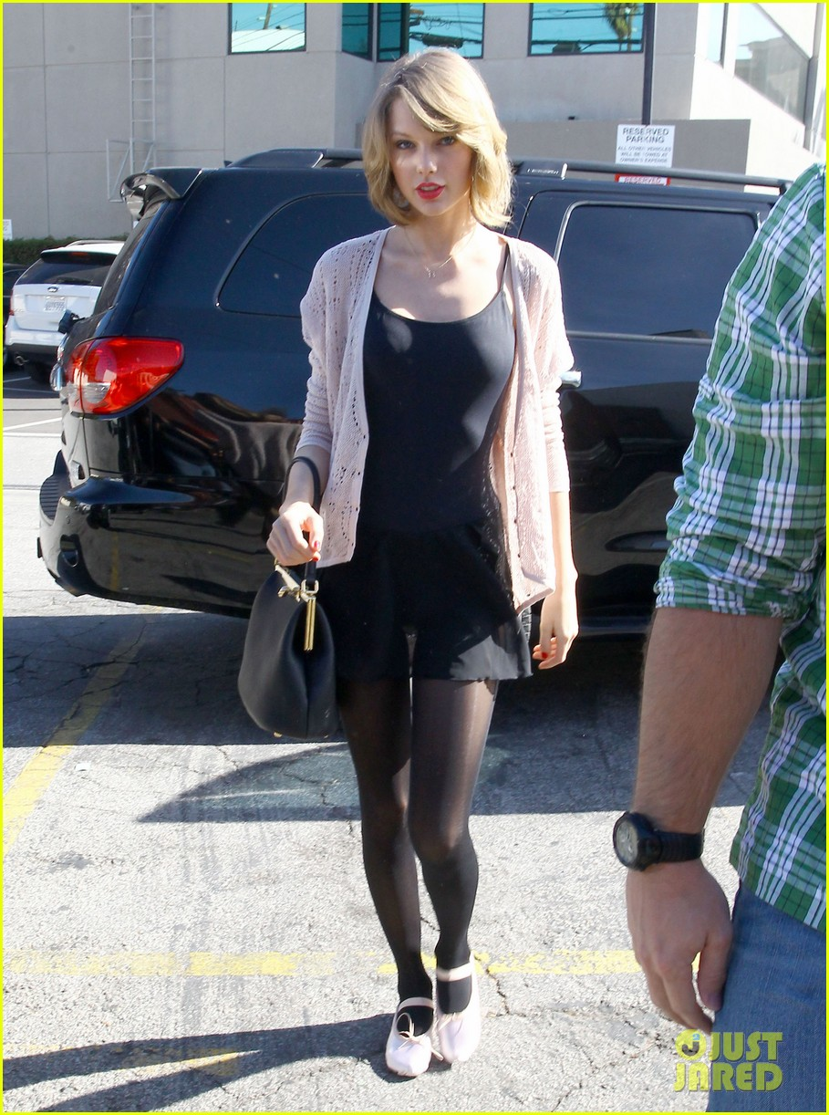 taylor swift brings her short hair to dance class 053052872