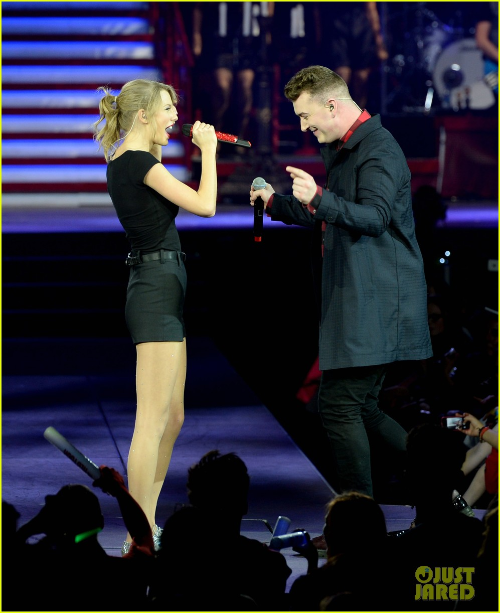 taylor swift sam smith sing money on my mind in london 023046743