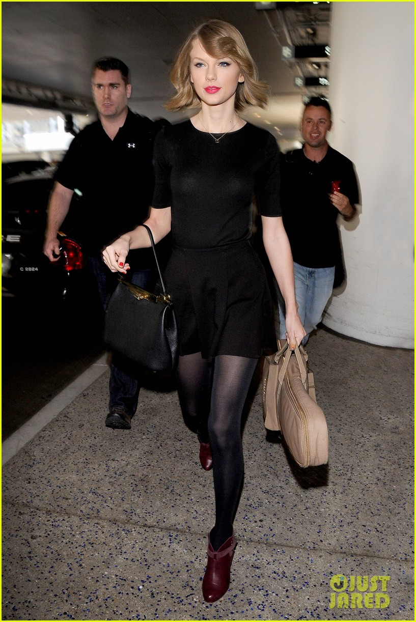 taylor swift shows off her new short hair at the airport 013052231