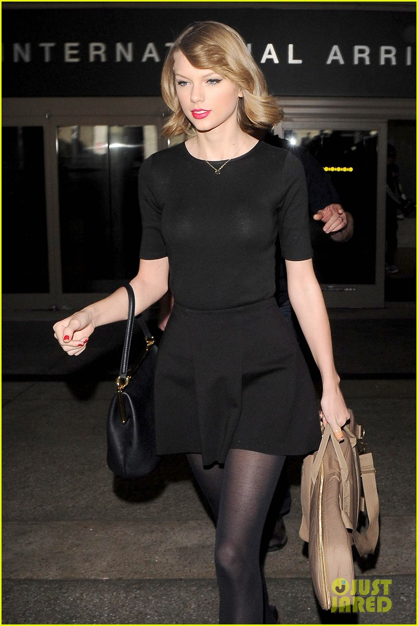 taylor swift shows off her new short hair at the airport 063052236
