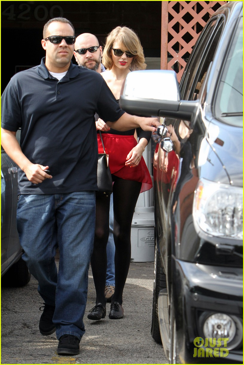 taylor swift wears her signature color to dance class 063057282