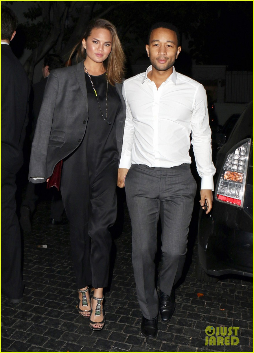 chrissy teigen john legend relax with date night after sports illustrated press tour 013059642