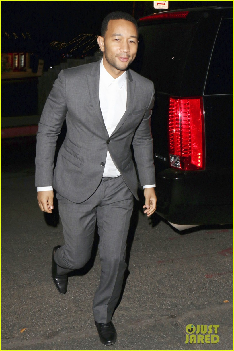 chrissy teigen john legend relax with date night after sports illustrated press tour 033059644