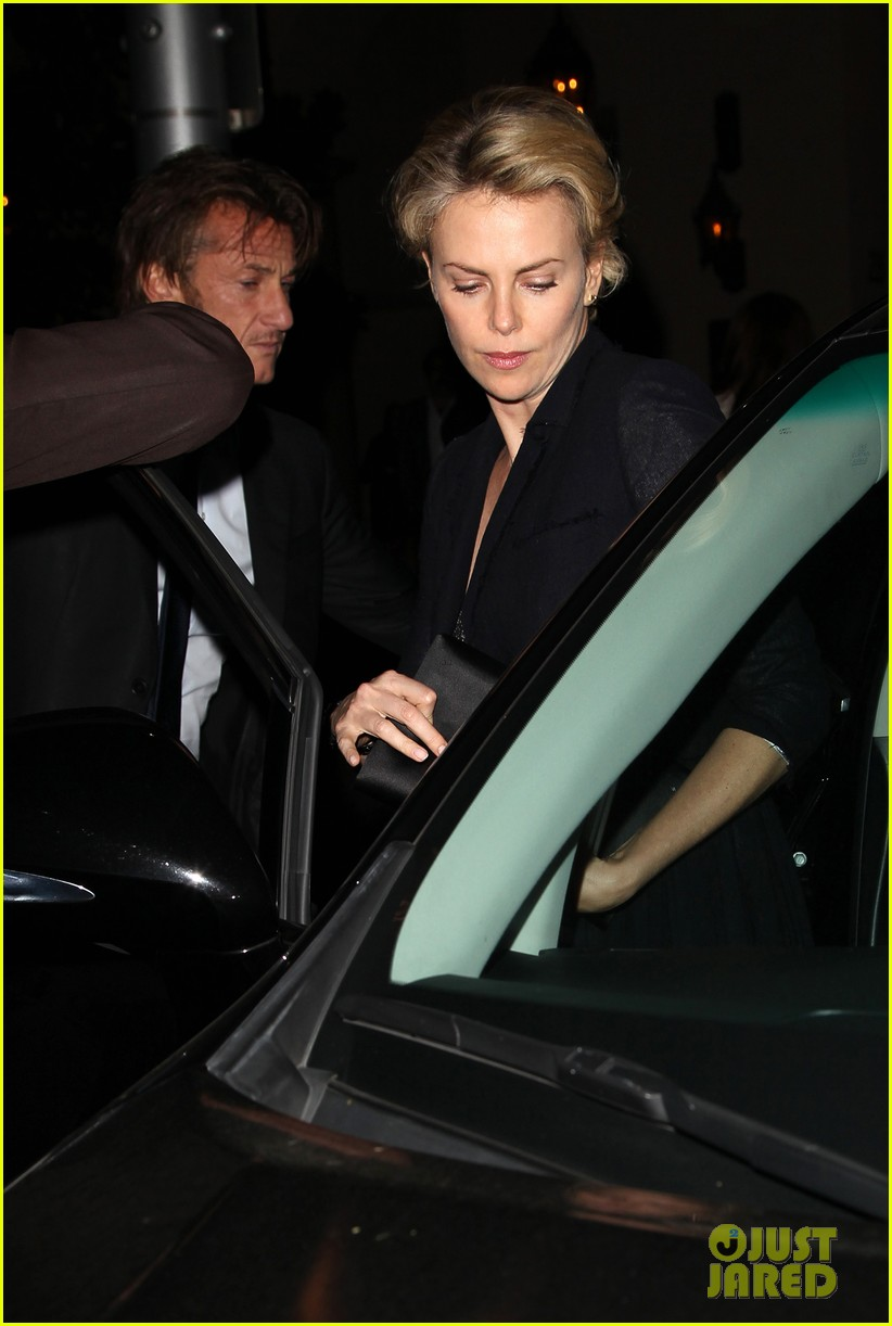 charlize theron sean penn bouchon charity dinner 01