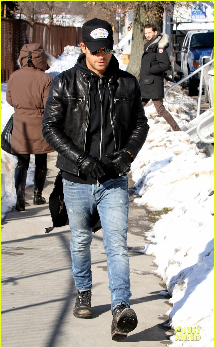 justin theroux films the leftovers on jennifer aniston 45th birthday 083051782