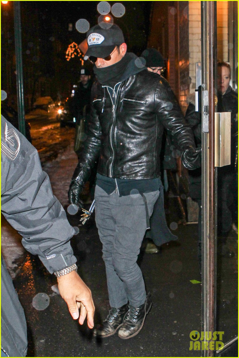 justin theroux visits philip seymour hoffmans partner for third time in three days 083048165