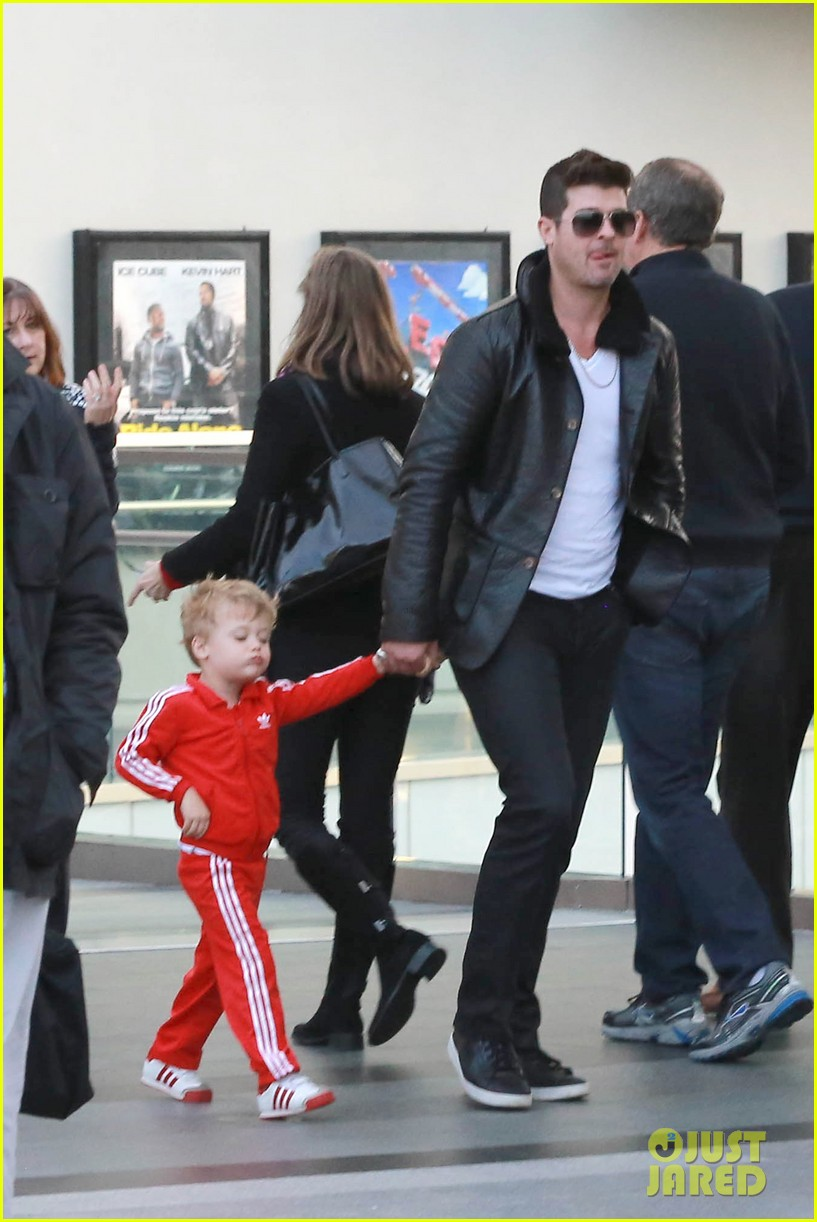 robin thicke is a doting dad spends day with julian 01