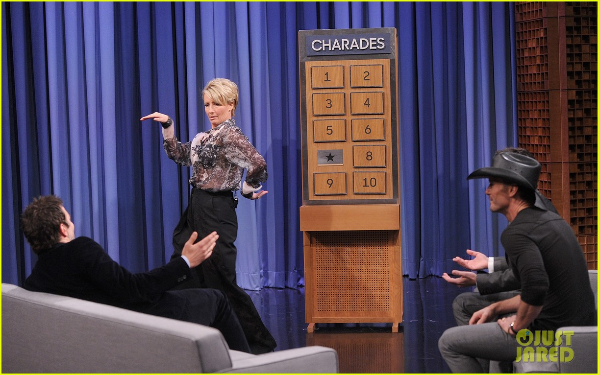 bradley cooper emma thompson play charades on fallon 19