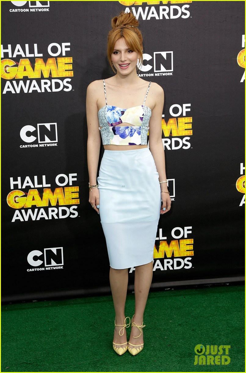 bella thorne victoria justice hall of game awards 2014 053054298