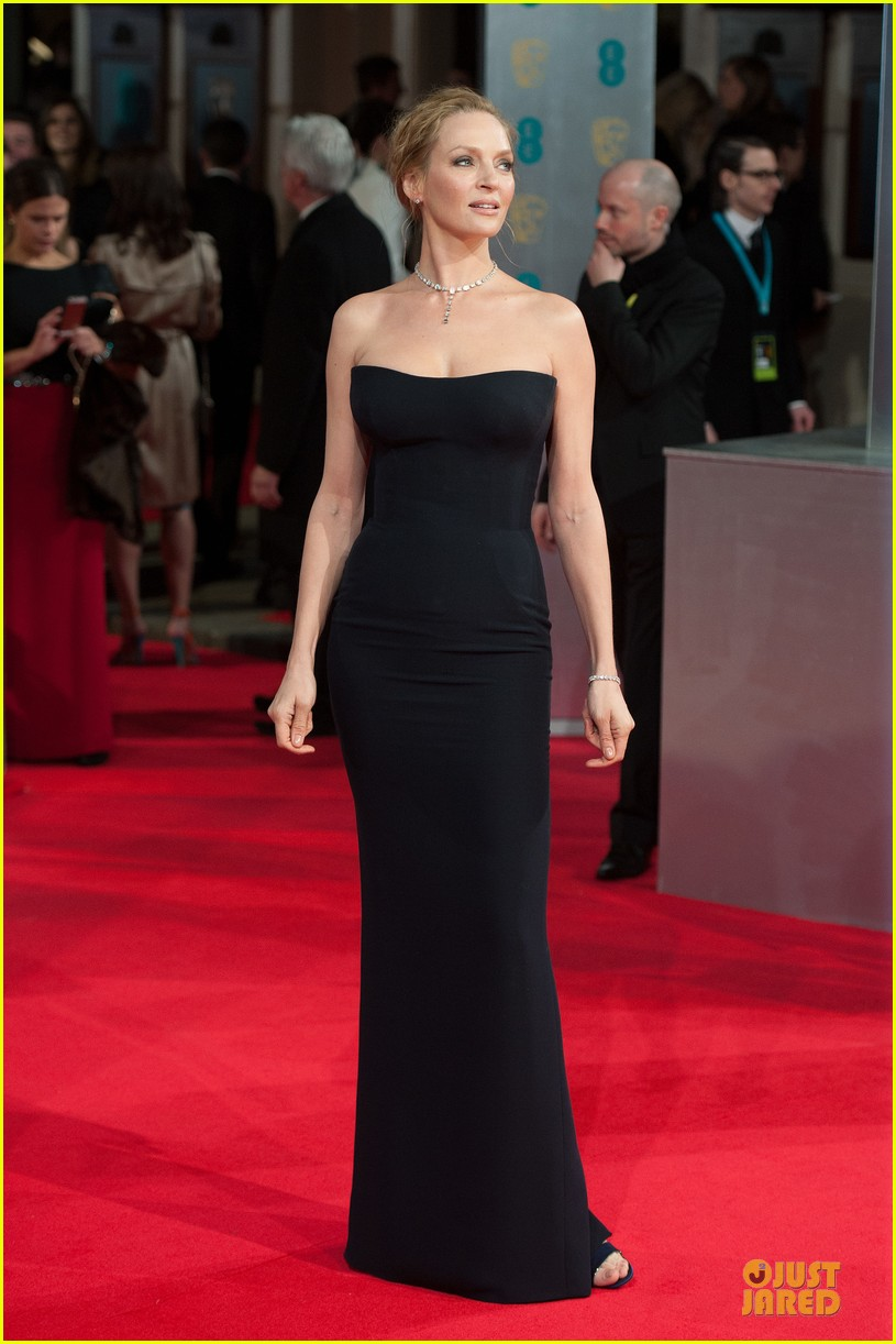 uma thurman baftas 2014 red carpet 023054536
