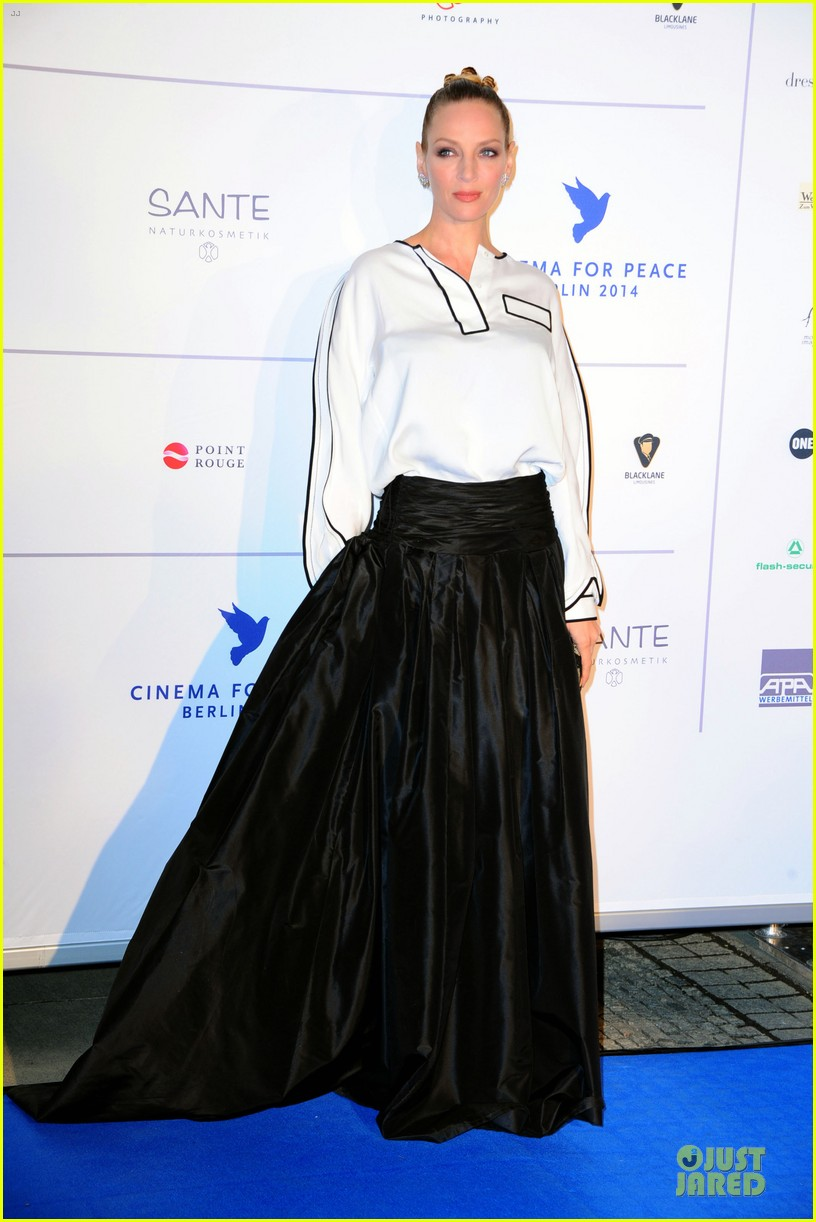 uma thurman difference maker at cinema for peace gala 033050899