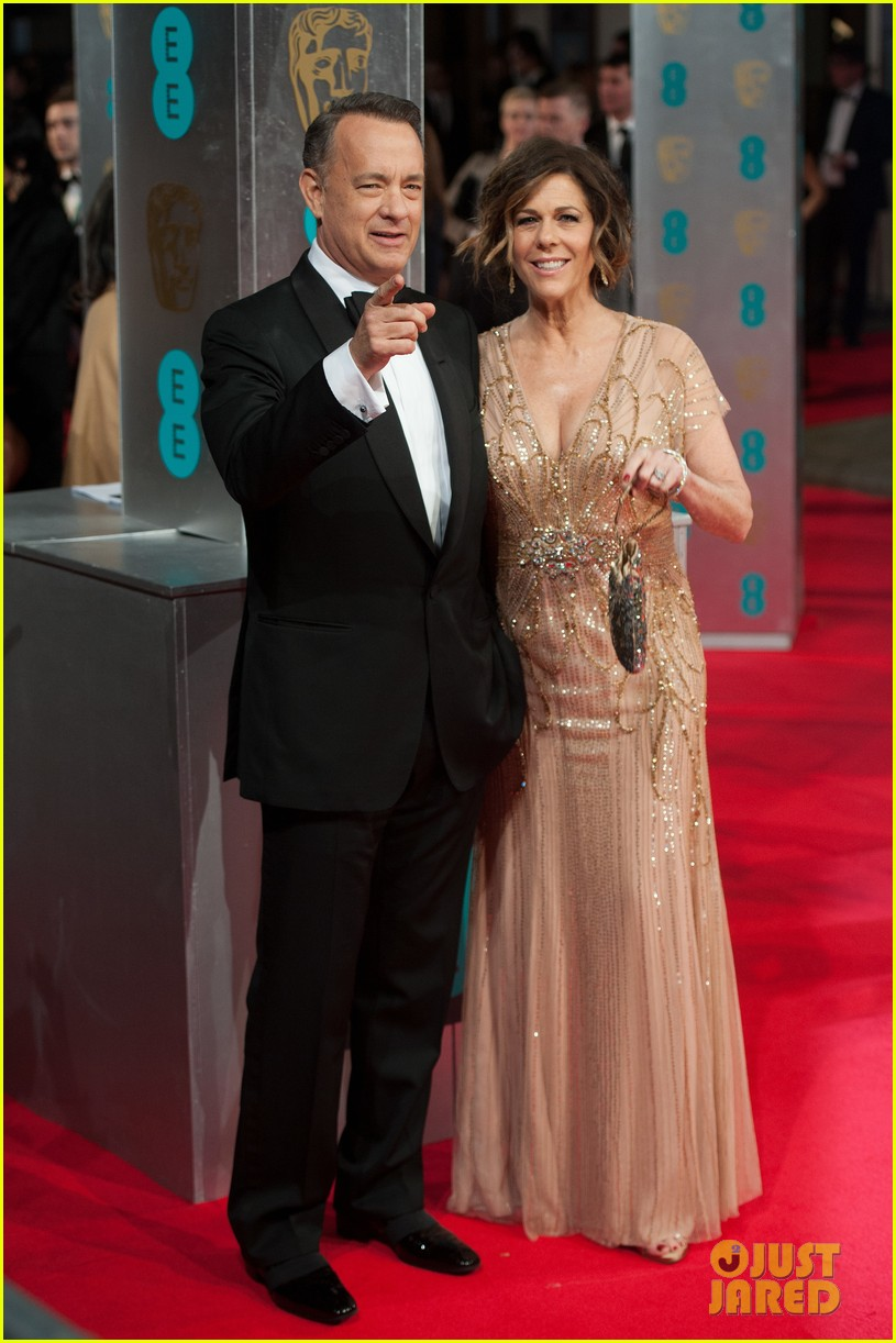 tom hanks rita wilson baftas 2014 red carpet 02