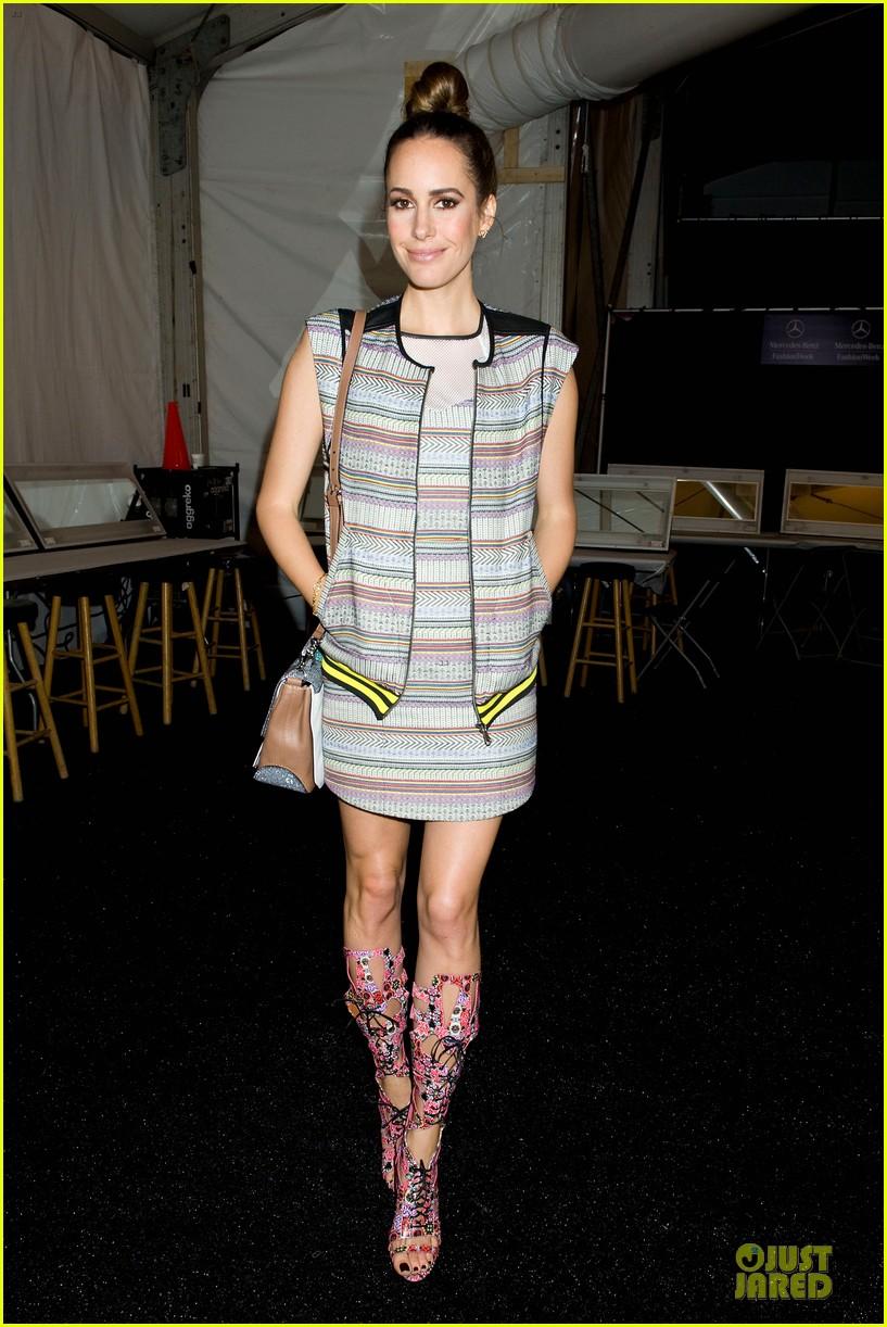 carrie underwood anna kendrick rebecca minkoff fashion show 09