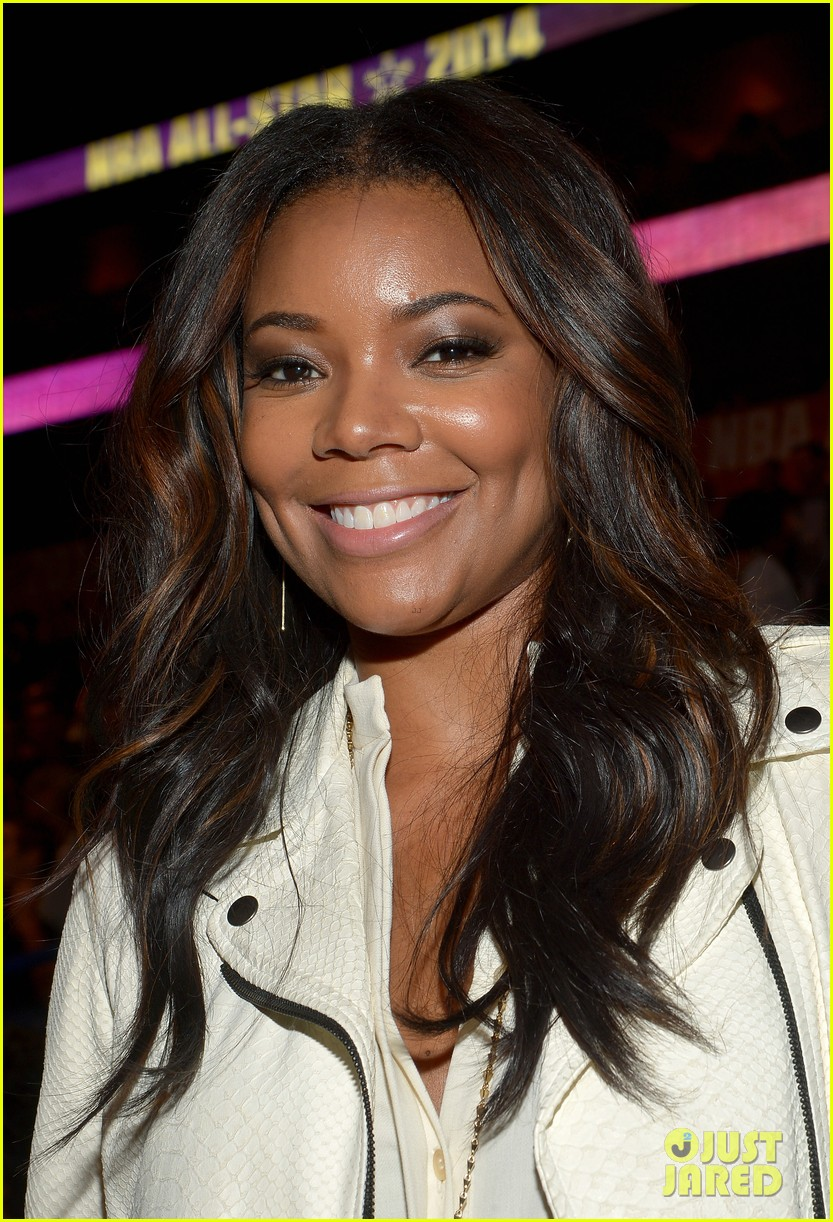 gabrielle union cheers dwyane wade on at nba all star game 023054867