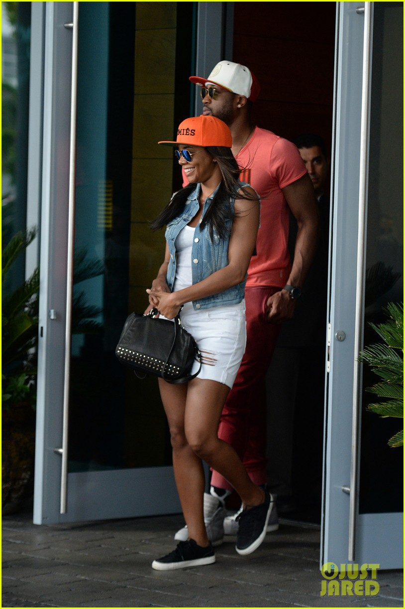 gabrielle union dwyane wade cruise around with the top down in miami 153061652