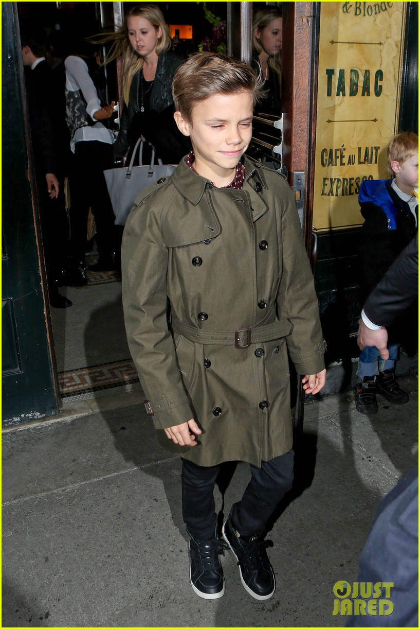 victoria beckham david kids front row fashion show 093050287