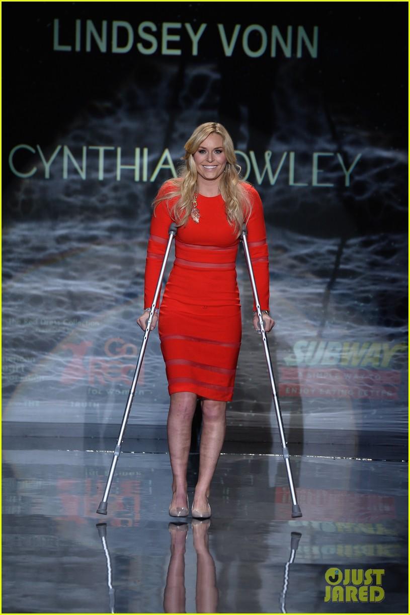 lindsey vonn skips olympics walks runway on clutches 073048944