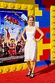 mark wahlberg busy philipps lego movie premiere 03
