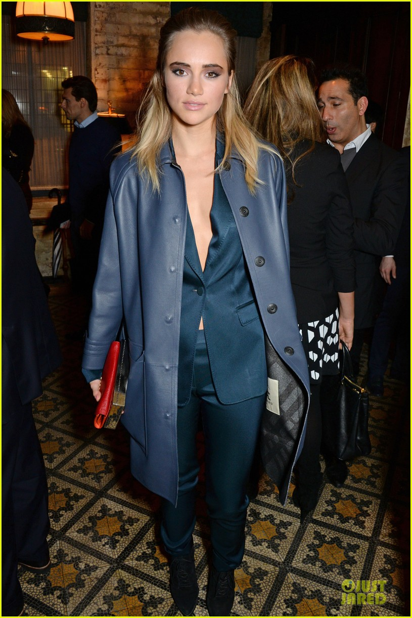 suki waterhouse cara delevingne suit up at bafta nominee dinner 083053779